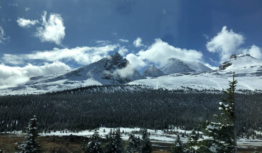 Banff-NP-Mountain-View