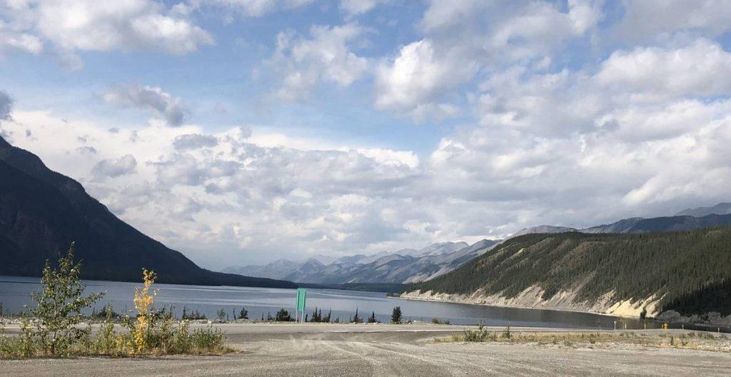 Muncho-Lake